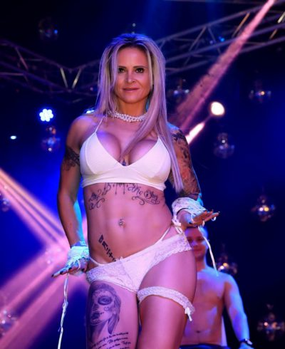 Stripster Kacenka voor stripacts in Limburg